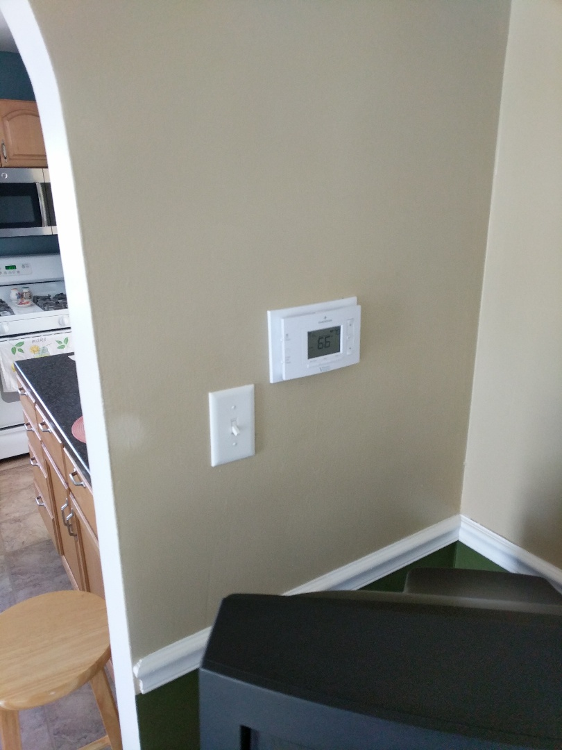 North Street, MI - Replace batteries in thermostat.