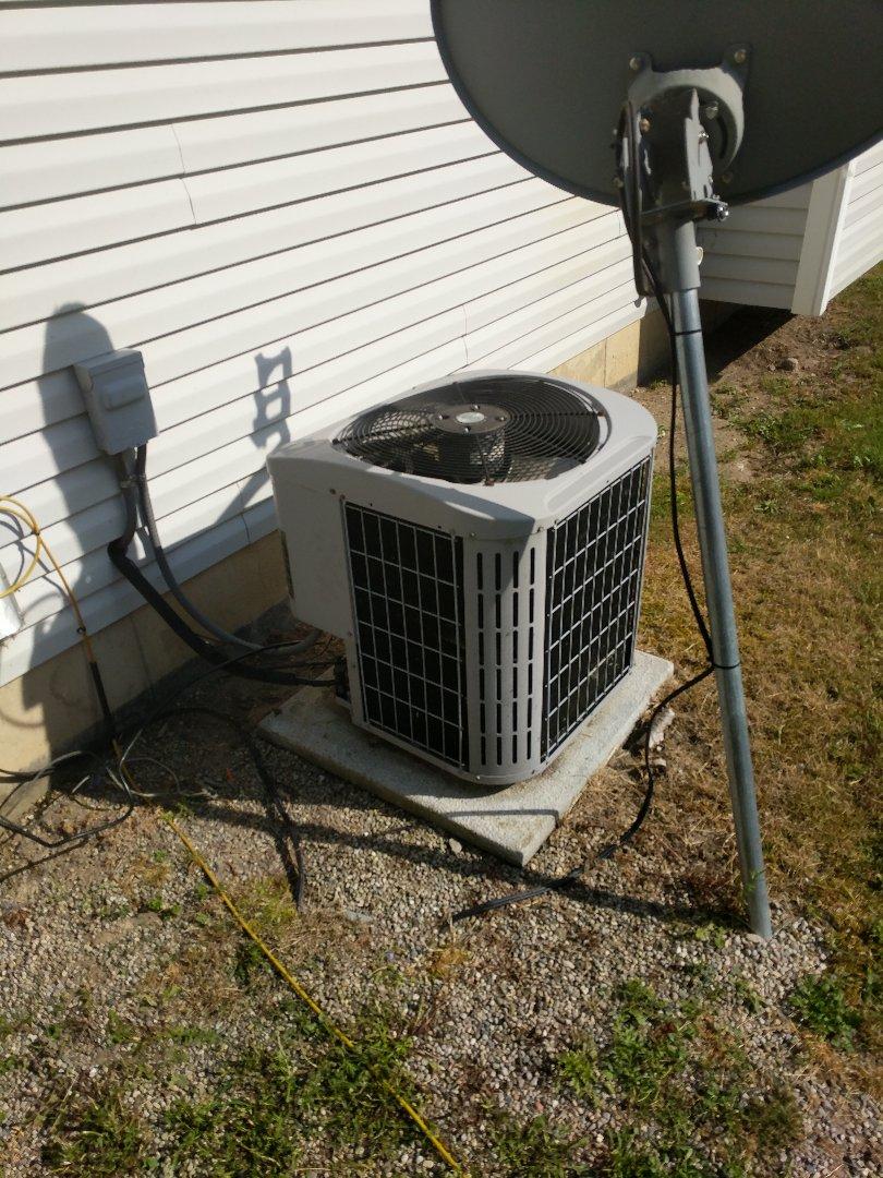 Marysville, MI - Repair Carrier AC.