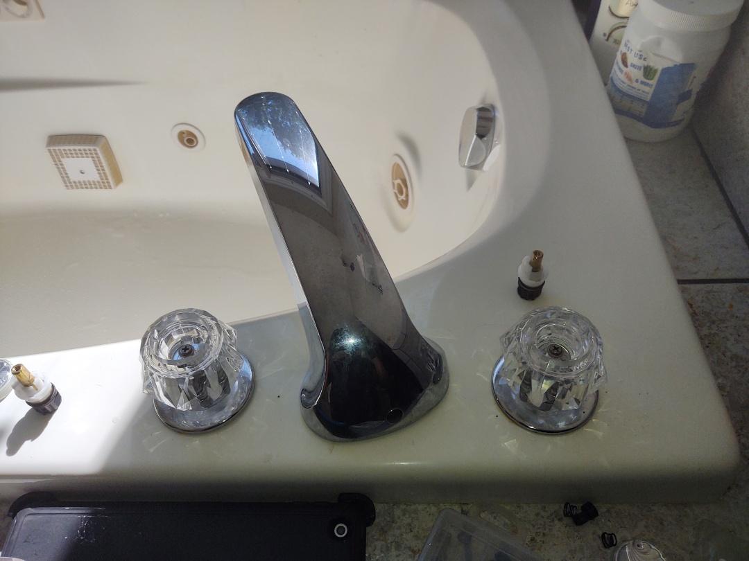 Memphis, MI - Delta Roman tub faucet