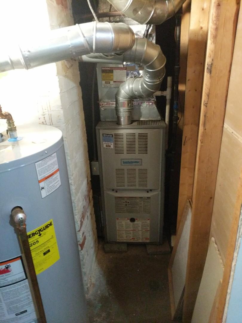 Emmett, MI - Comfortmaker furnace clean and check.