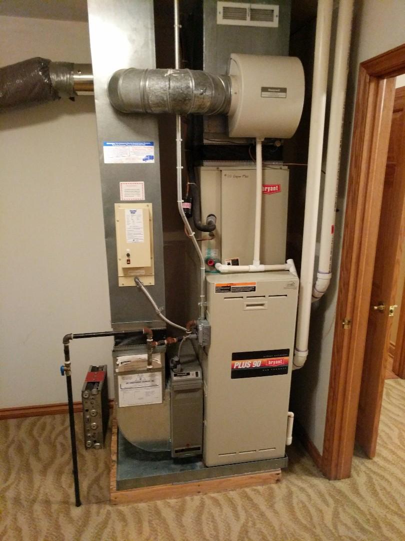 Saint Clair, MI - Bryant furnace heat exchanger inspection.
