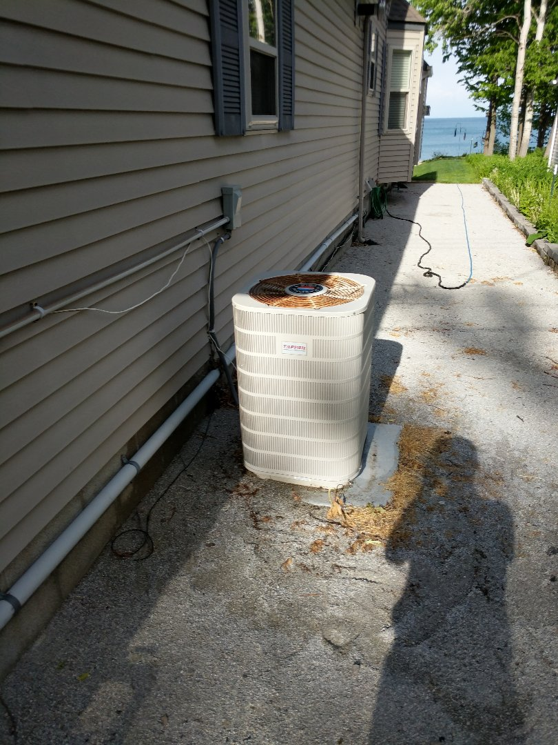 Lexington, MI - Balance duct work and replace thermostat.