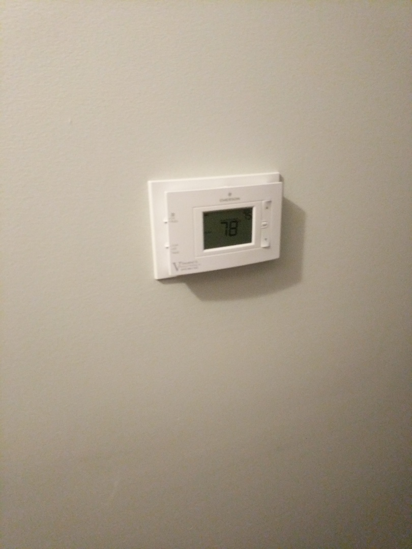 Smiths Creek, MI - Replaced thermostat and corrected low voltage wiring.