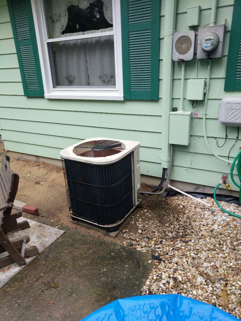 Saint Clair, MI - Lennox AC repair.