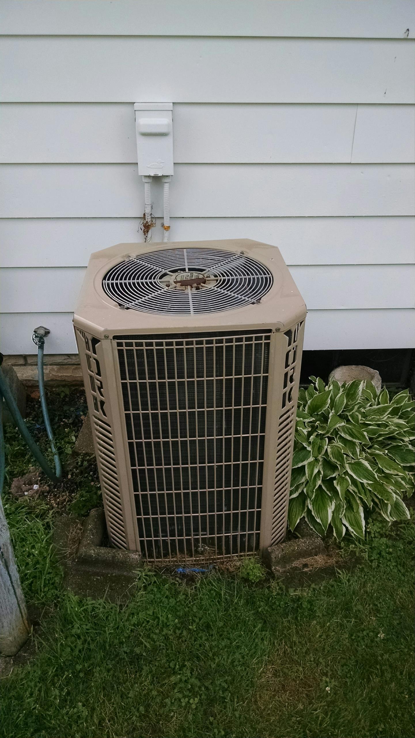 Marine City, MI - Air conditioning maintenance tune up