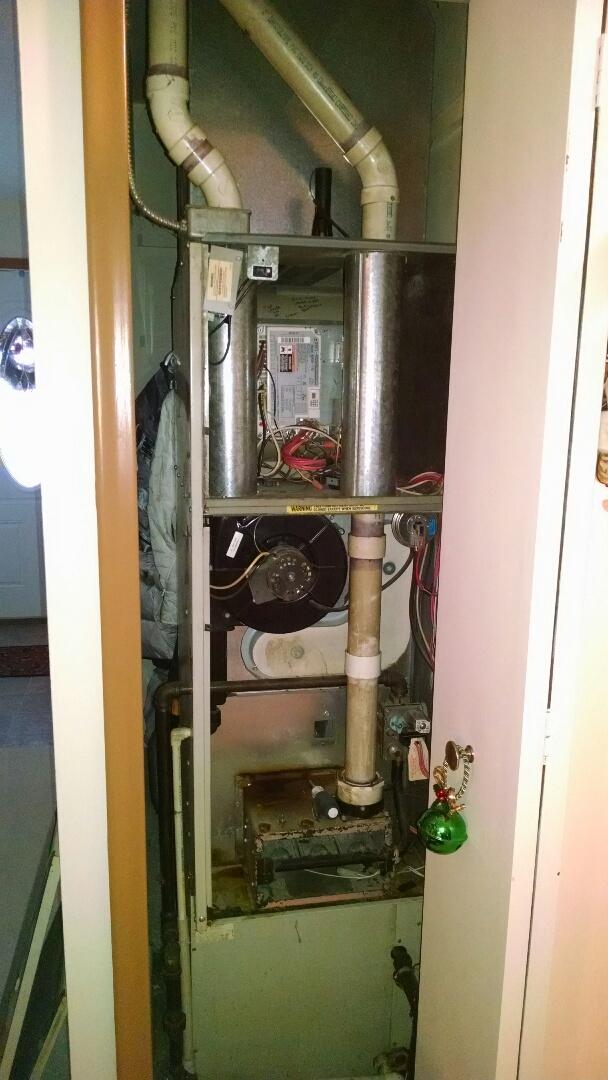Marine City, MI - Comfort maker Furnace tune up.