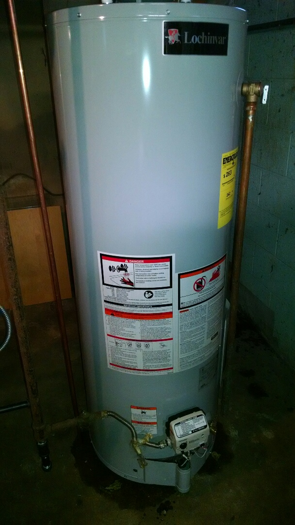 East China, MI - 40 gal natural gas water heater lochinvar