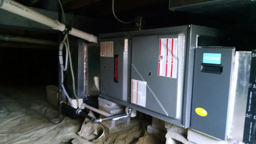 Croswell, MI - Installation of an Amana furnace in crawlspace