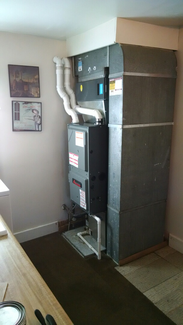 Marine City, MI - Installation of an Amana furnace and air filter