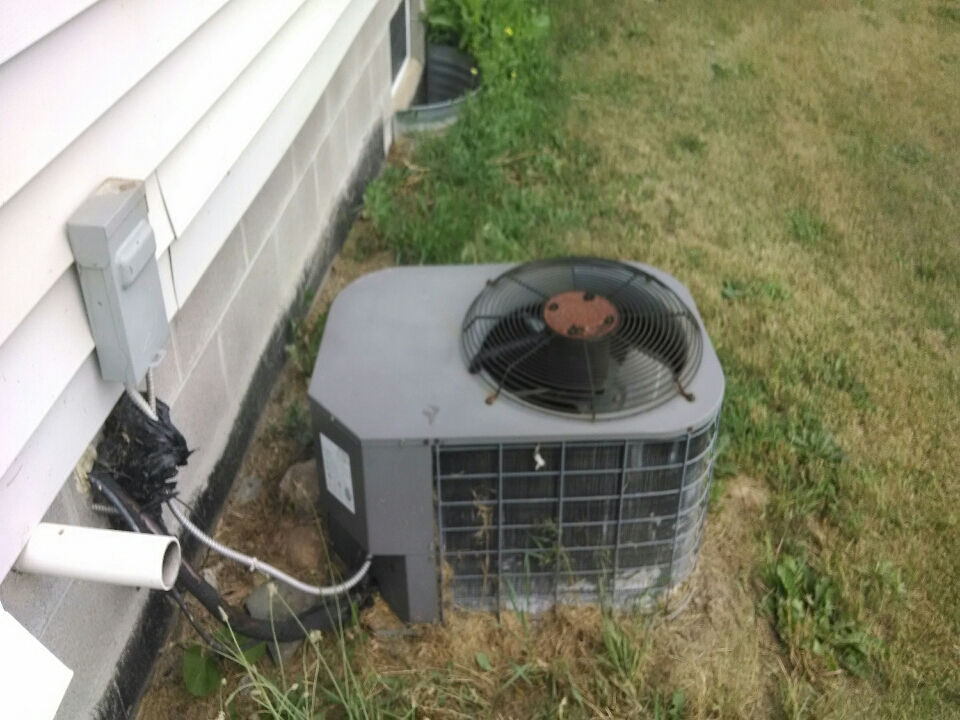 Croswell, MI - air conditioning service call.