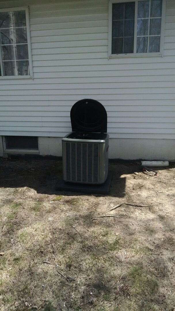 Marysville, MI - Installation of an Amana air conditioner
