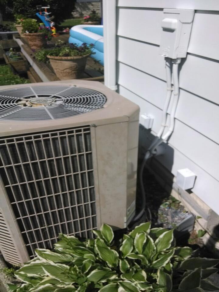 Marine City, MI - air conditioning call.