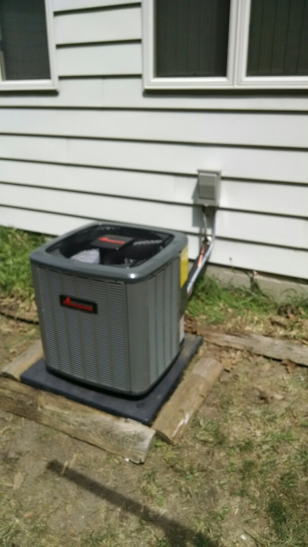 Port Huron, MI - Installation of an Amana air conditioner and aprilaire dehumidifier