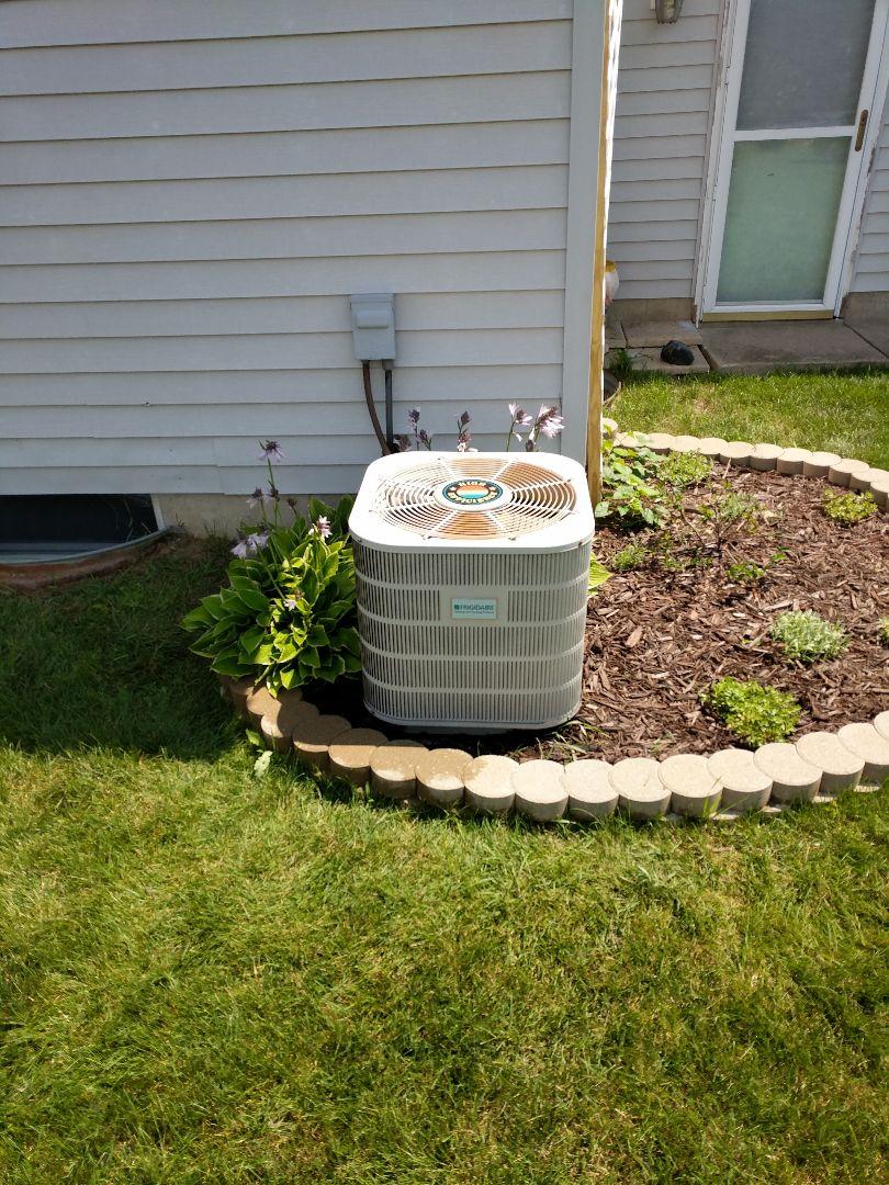 Marysville, MI - Frigidaire AC repair.