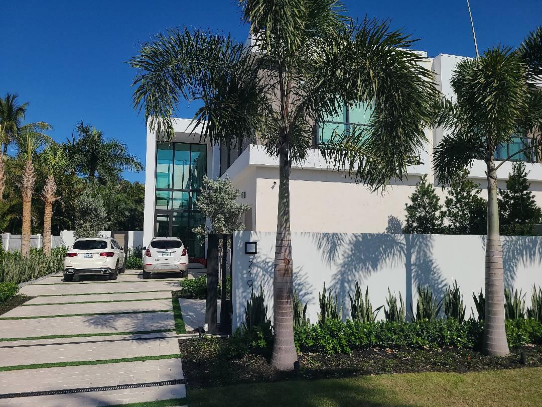Delray Beach, FL - Adding MyQ garage doors to the Crestron system