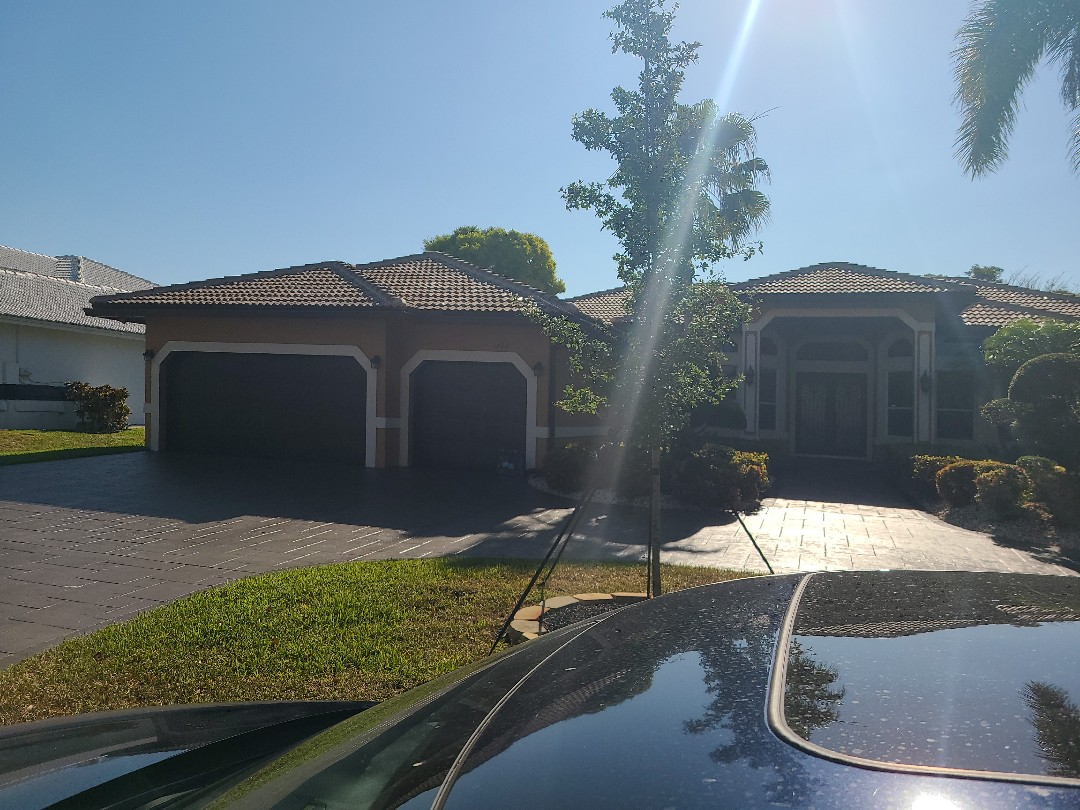 Coral Springs, FL - Installing a new 4k Apple TV with her existing Control4 system