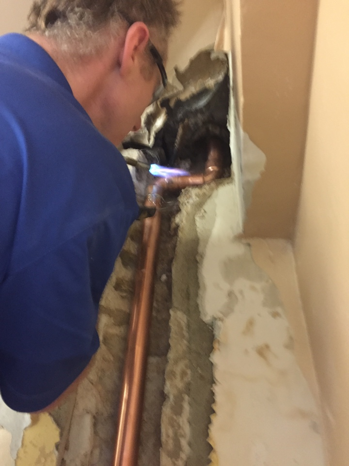 Evanston, IL - Fixing leak in ceiling!