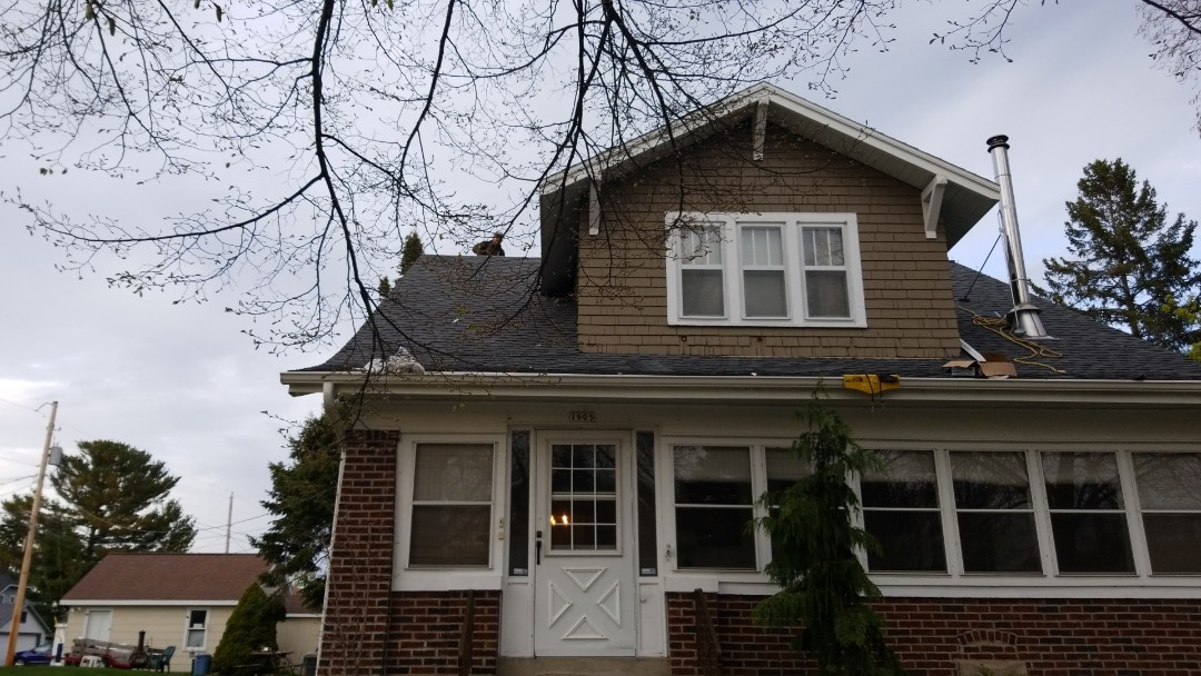 Sheboygan, WI - Reroof house on 1905 n 2nd st Sheboygan wi using GAF Timberline HD,  Pewter Gray color qed