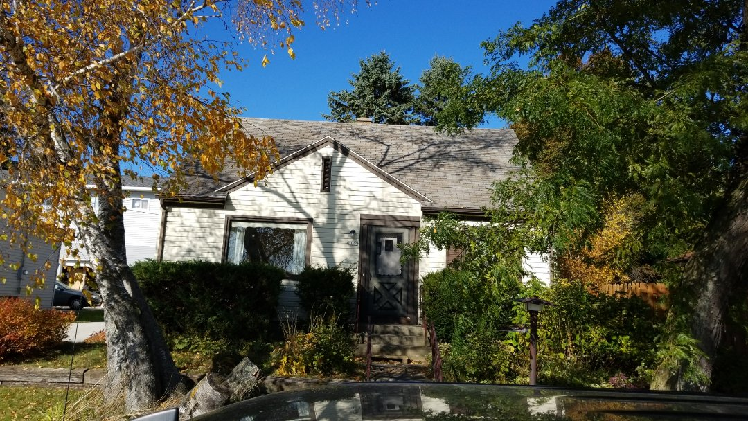 Sheboygan, WI - Roof  replacement sheboygan  Replace shingles  Install shingles  Atlas pinnacle  Reroof estimates