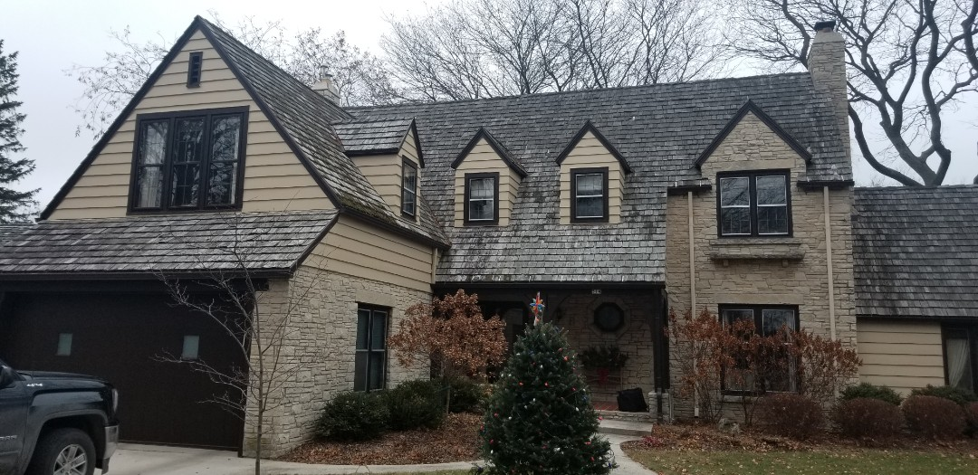 Cleveland, WI - Roof estimate remove and replace cedar shake shingles with new cedar shake shingles