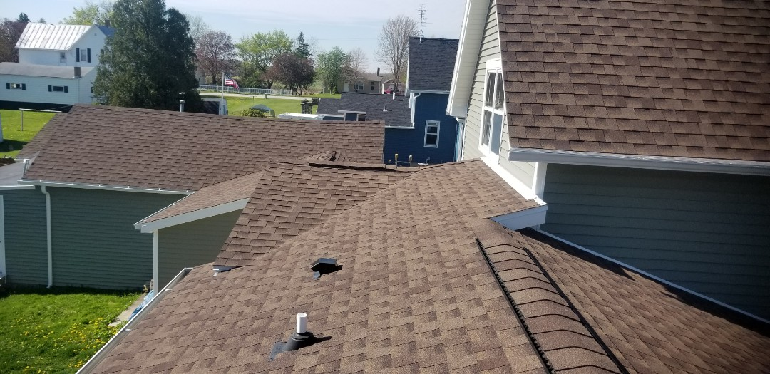 Cleveland, WI - Roof install Cleveland wi  Gaf timberline shingles  Remove and replace roof  Roofing Cleveland wi