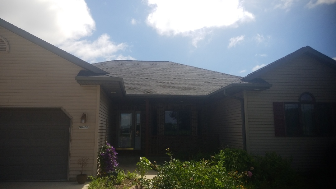 Sheboygan, WI - Eood replacement using gag timberline hdz charcoal gray dimmensional shingles