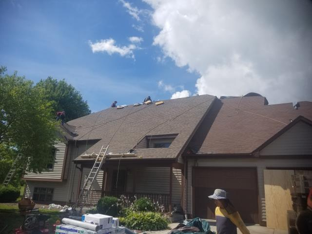 Sheboygan, WI - ROOF REPLACED WITH ATLAS STORM MASTER SHAKE DIMENSIONAL PREMIUM SHINGLES 