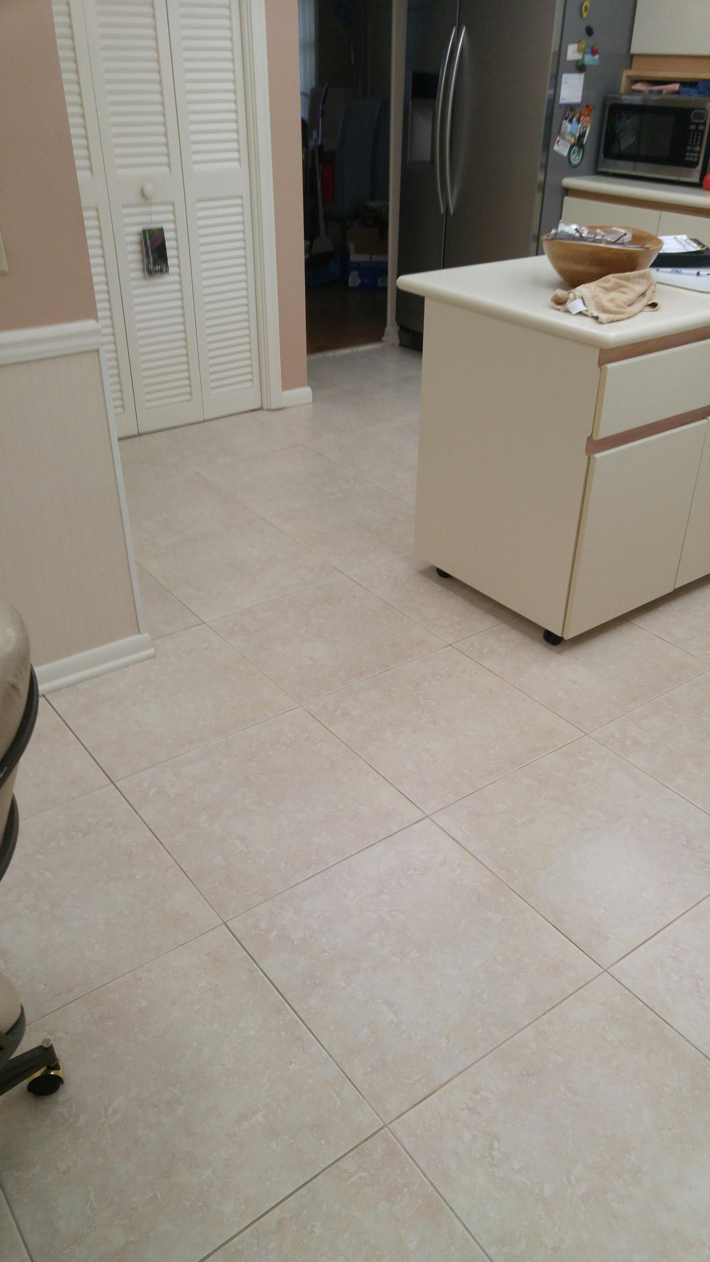 Plantation, FL - Just clean 4 rooms of carpet and some tile and grout in Plantation