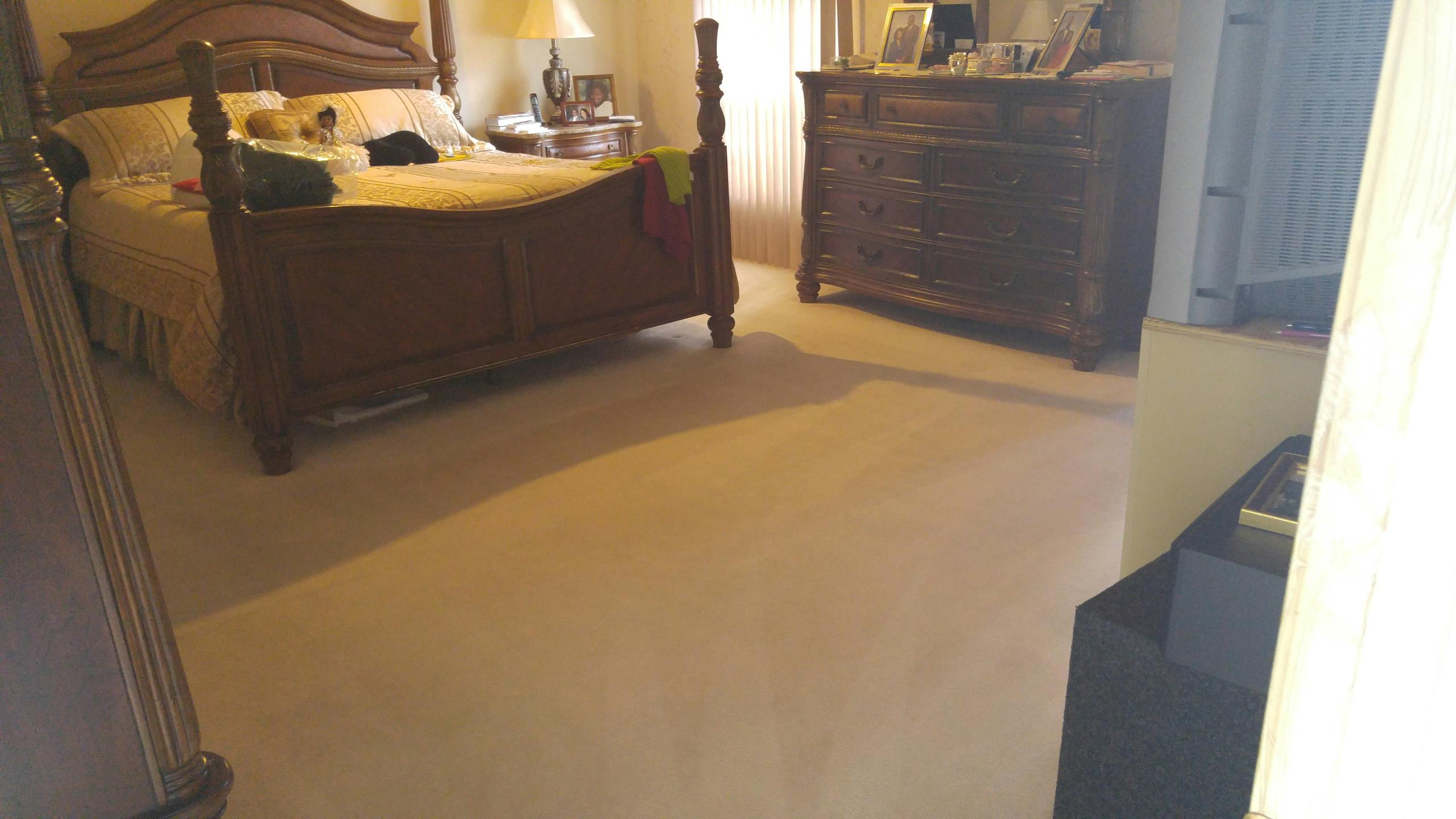 Tamarac, FL - Cleaning two rooms of carpet in Tamarac