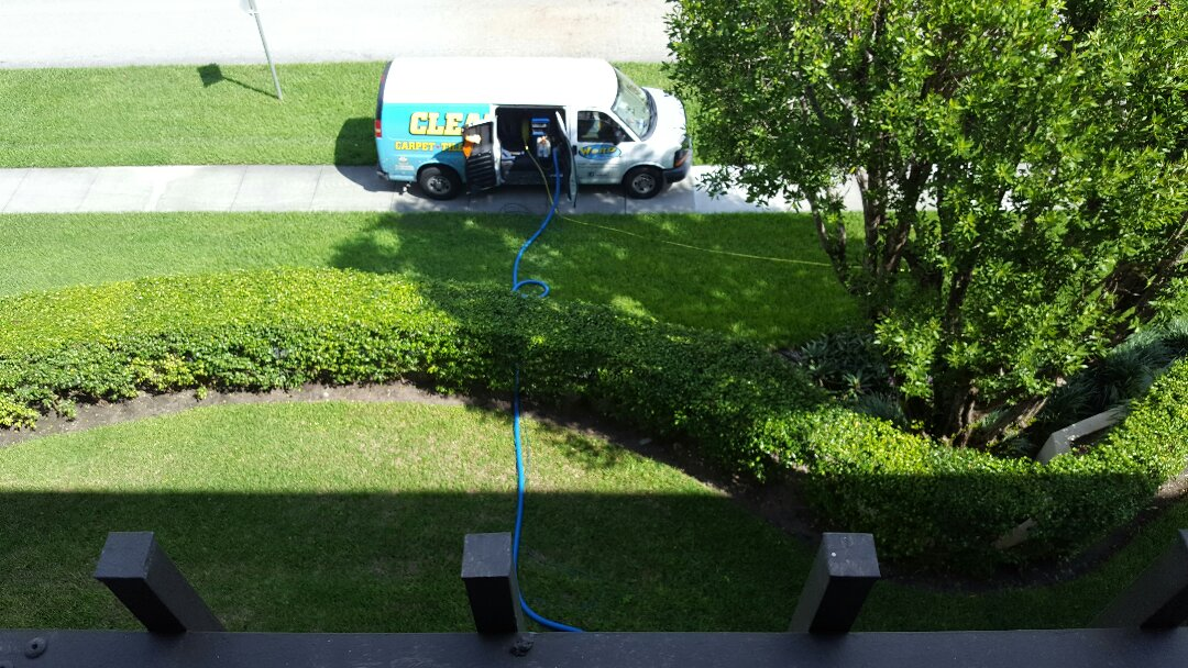 One room carpet cleaning job in a condo in Boca on the 4th floor thankfully we were able to use the truckmount