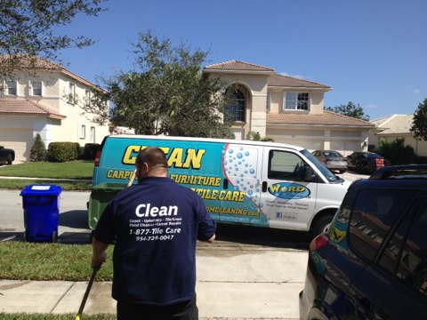 Pembroke Pines, FL - we cleaned over thousand square feet of tile and grout in Pembrooke pines it went from black grout to white grout