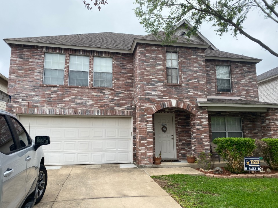 Round Rock, TX - Roof damage check.