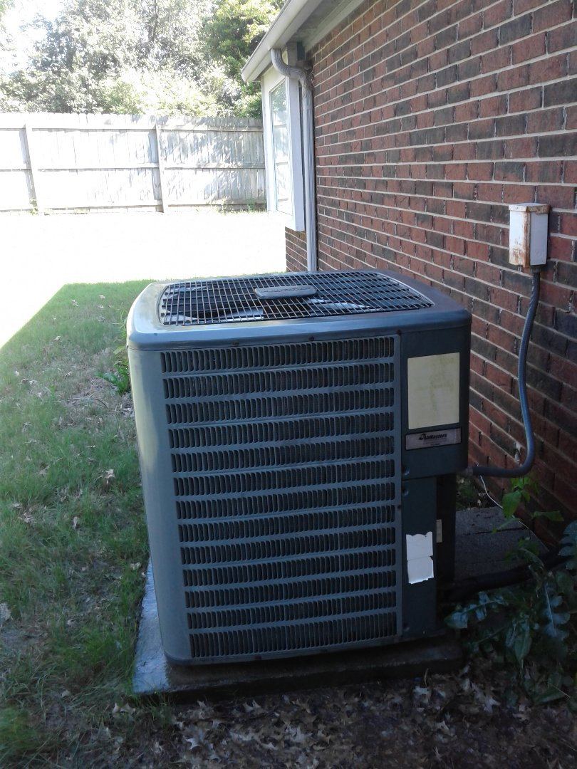Lakeland, TN - Ac tune up on Amana air conditioner