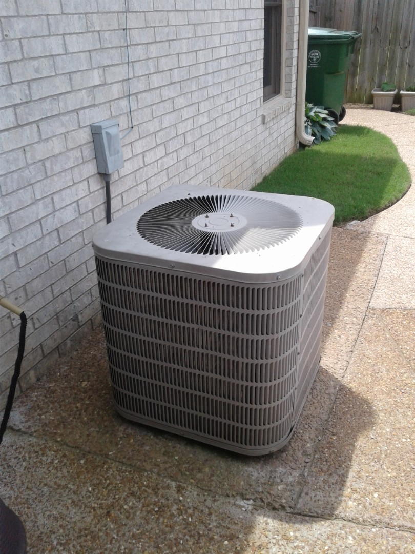 Millington, TN - Free estimate to replace Goodman HVAC system
