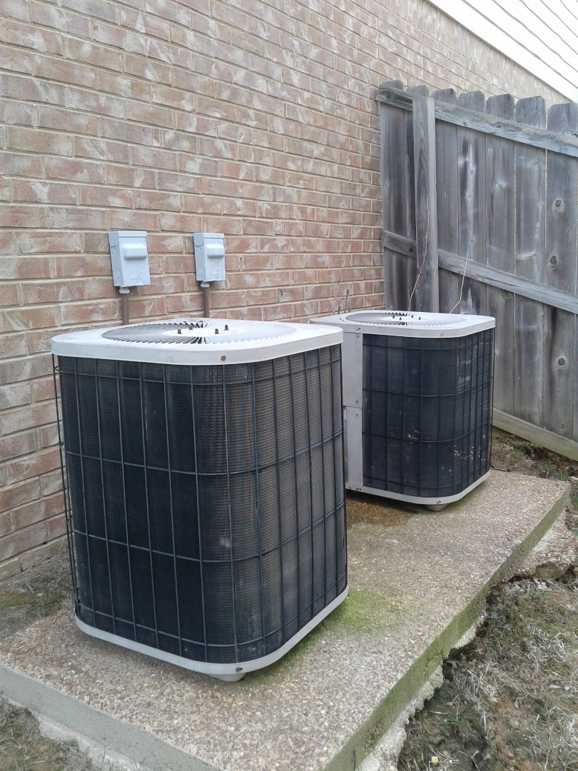 Lakeland, TN - Service call and Repair on Goodman Air Conditioners