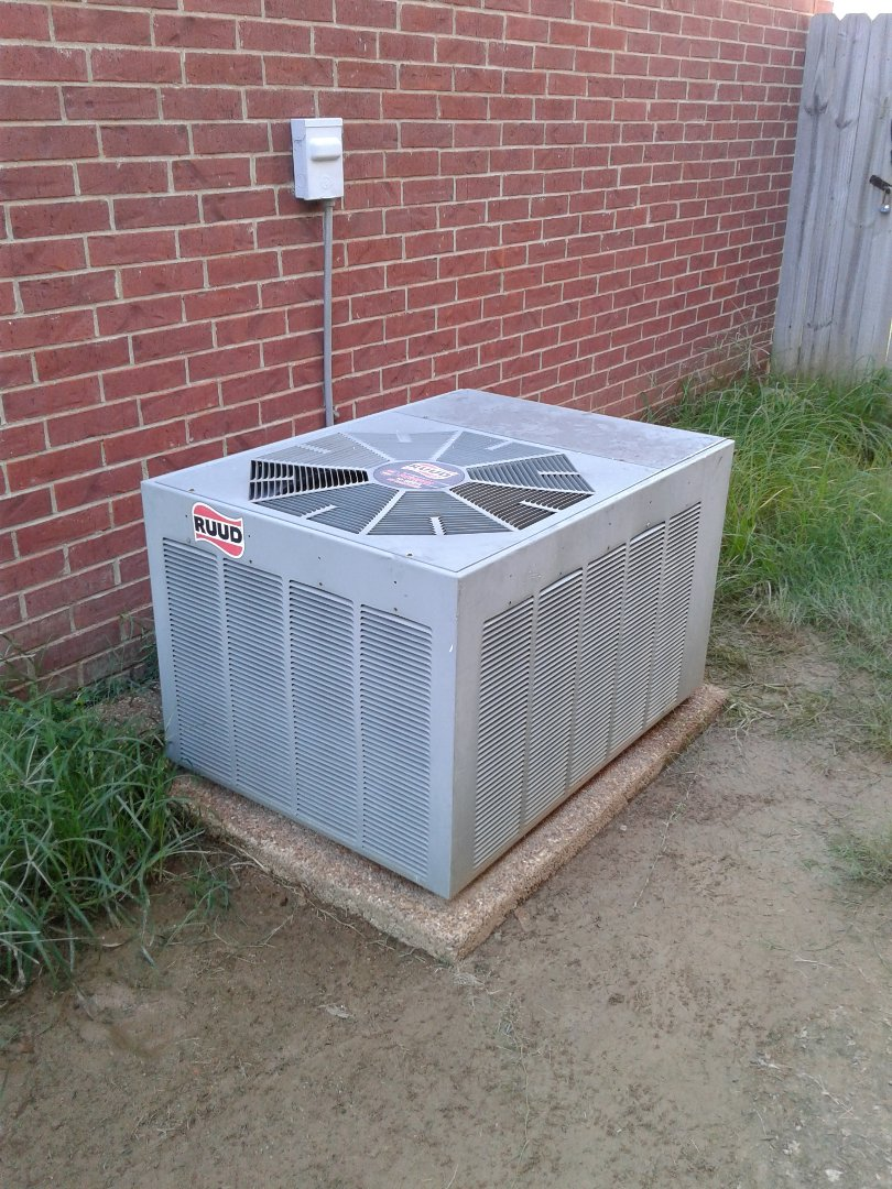 Arlington, TN - Service call on Ruud air conditioner