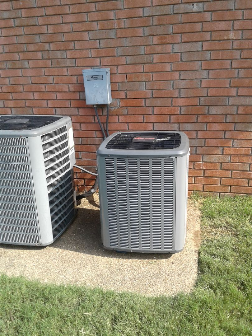 Arlington, TN - Warranty service call on Amana air conditioner