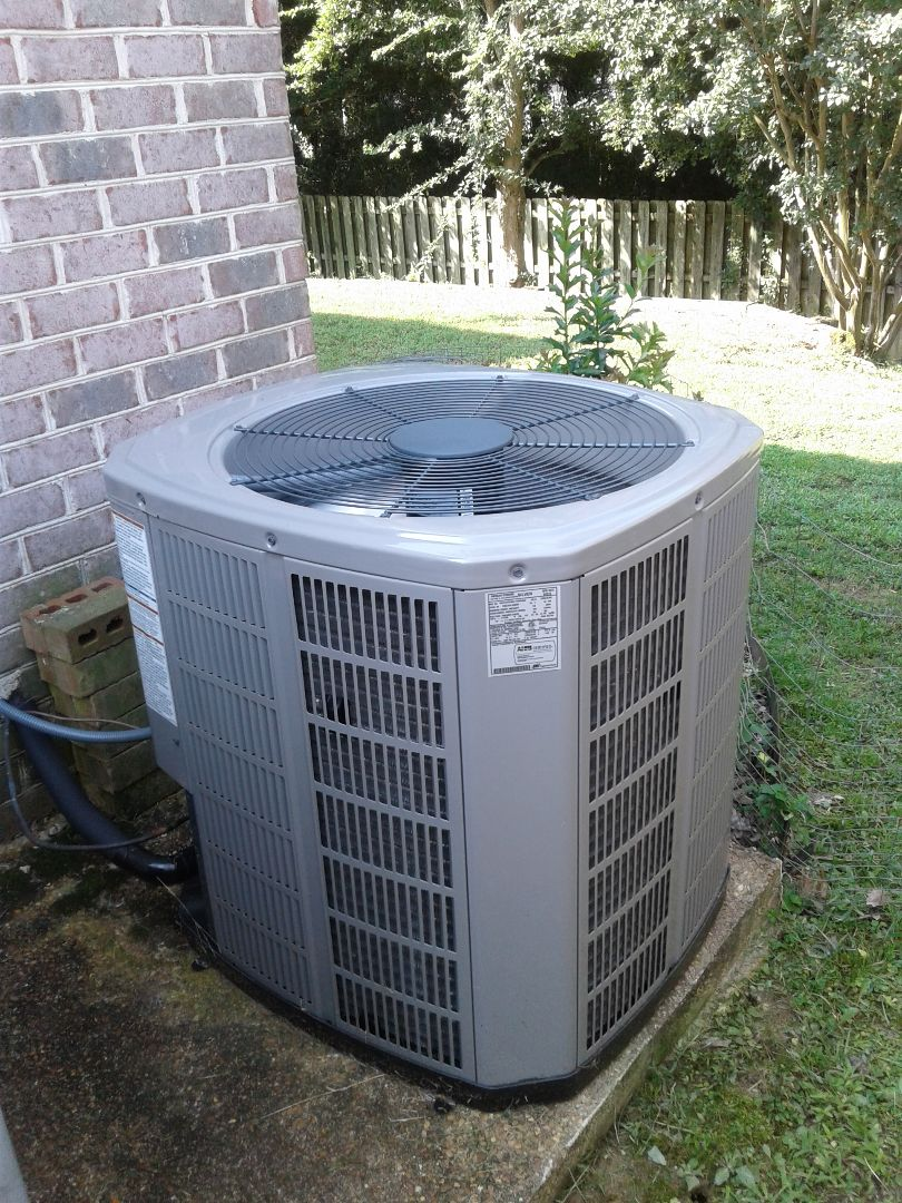 Collierville, TN - Warranty service call on American Standard air conditioner