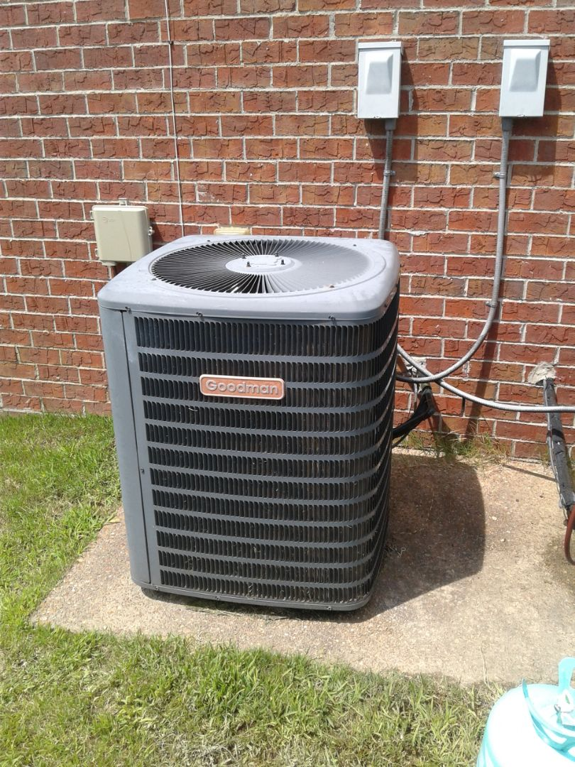 Southaven, MS - Service and repair on ac system.