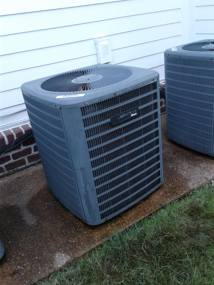 Collierville, TN - Service call on Amana air conditioner