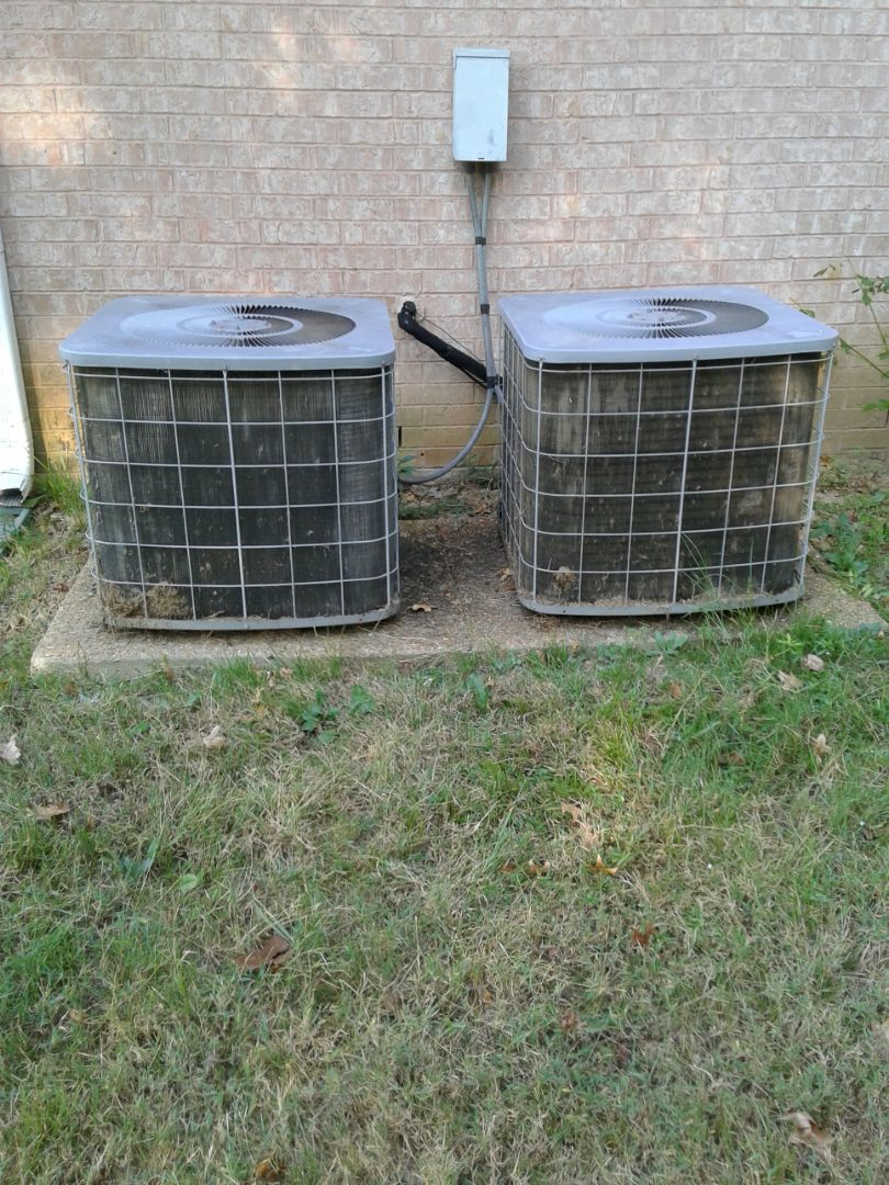Southaven, MS - Service and inspection on Tempstar ac systems.