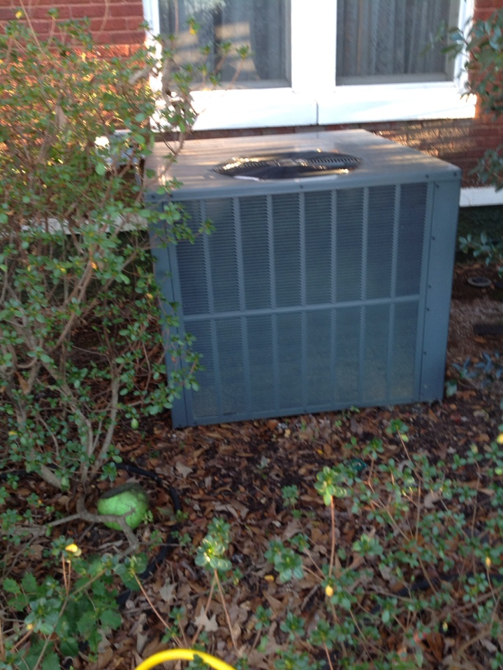 Olive Branch, MS - Heating service call and repair on Amana gas package unit.