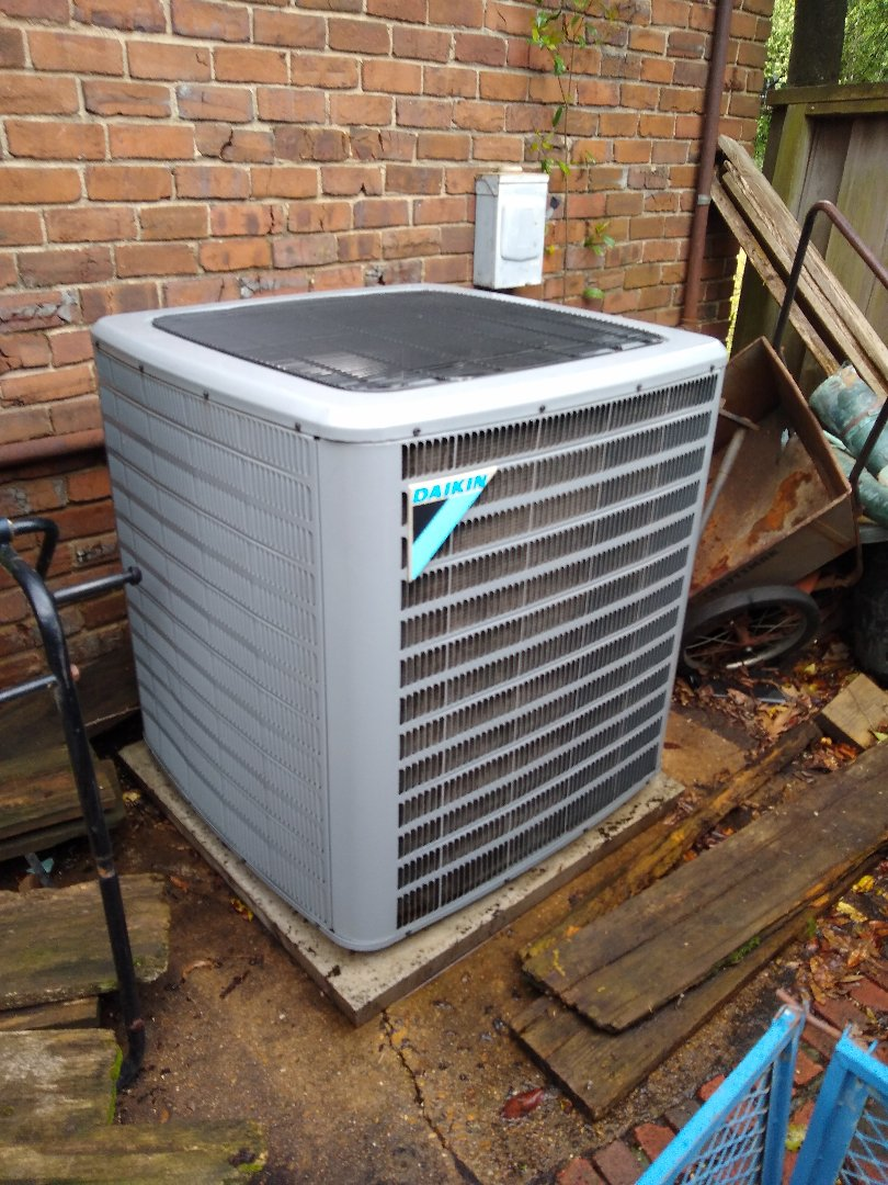 Memphis, TN - Tune-up on Daikin and Carrier AC systems