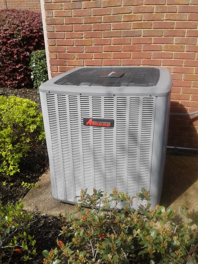 Germantown, TN - Service and inspection on an Amana condenser.