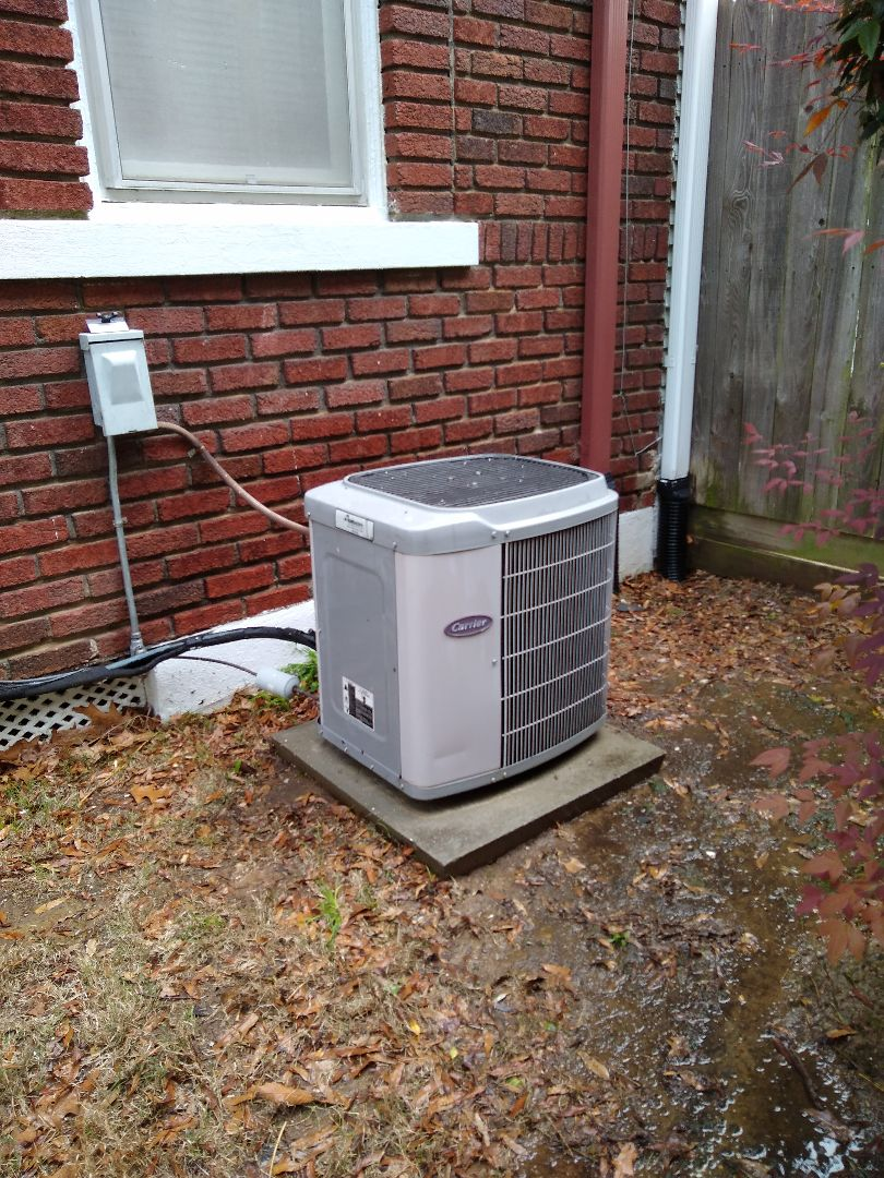 Memphis, TN - Tune up on Carrier AC system