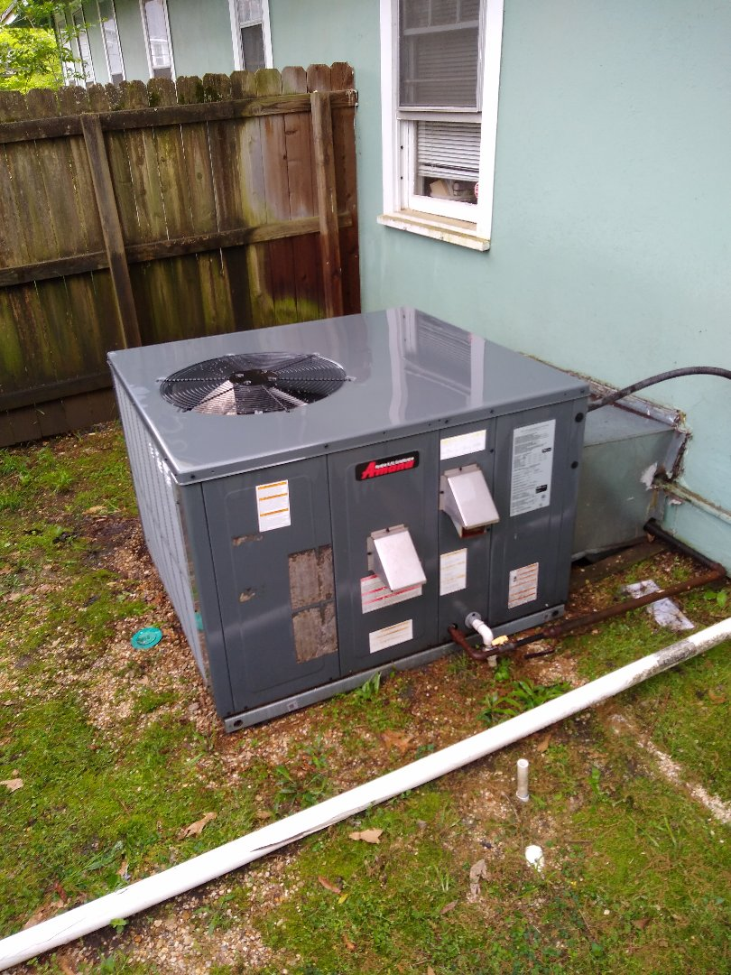Memphis, TN - Tune up on Amana package unit