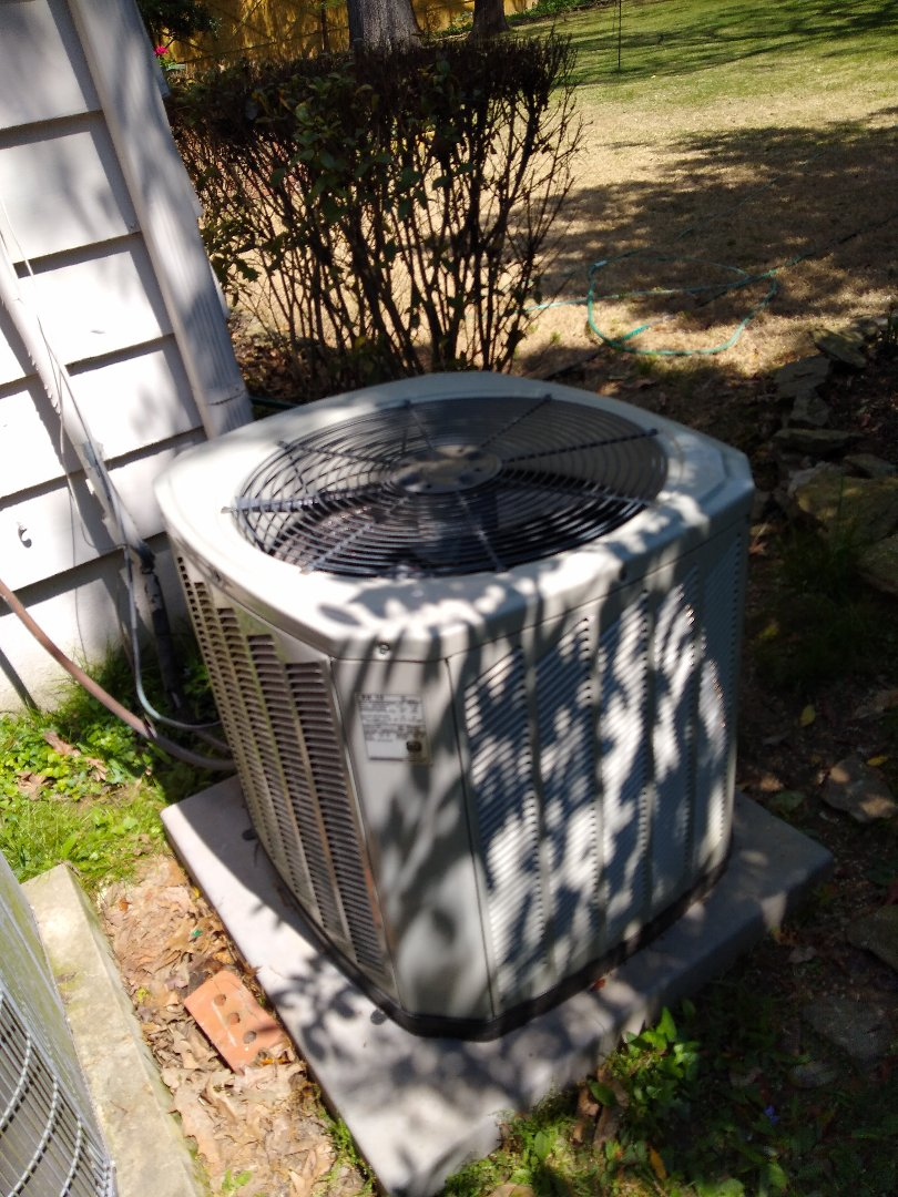 Memphis, TN - Service call and repair on Trane air conditioner