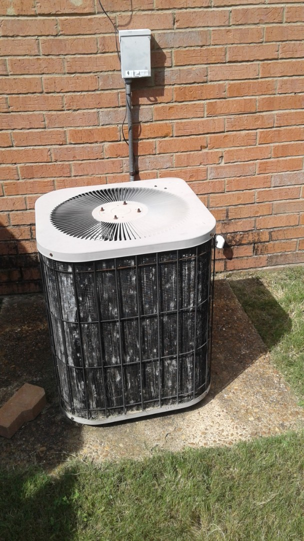 Southaven, MS - Service and repair on a Gibson ac system