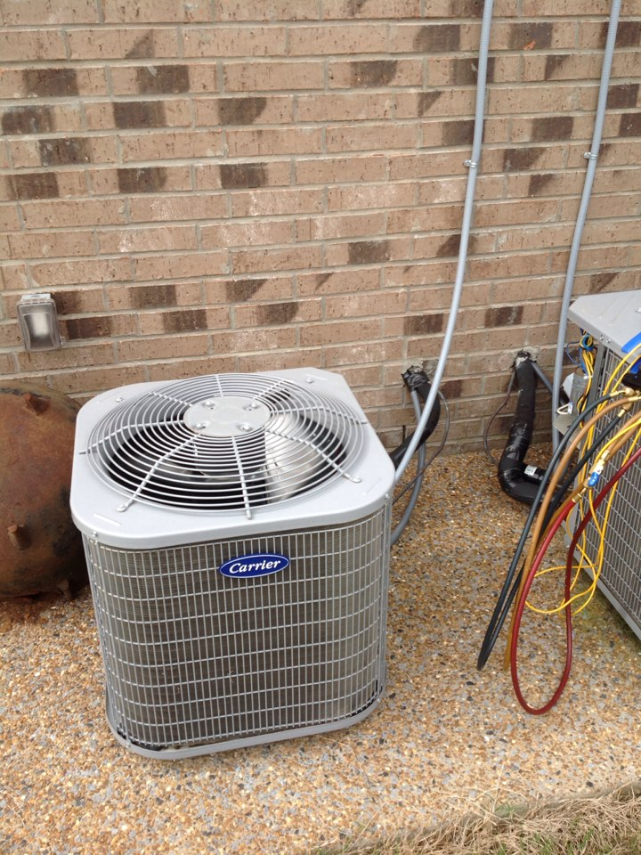 Oakland, TN - AC service call and repair on Carrier air conditioner.