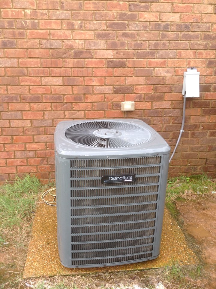 Oakland, TN - AC tune up on Amana air conditioner.